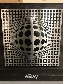 Optical Illusion Metal Wall Art Decor Stainless Steel (24x24x1)